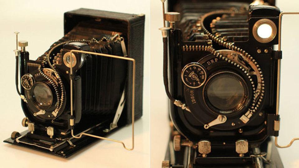 確実にブチャラティが愛用していたと思われるカメラ