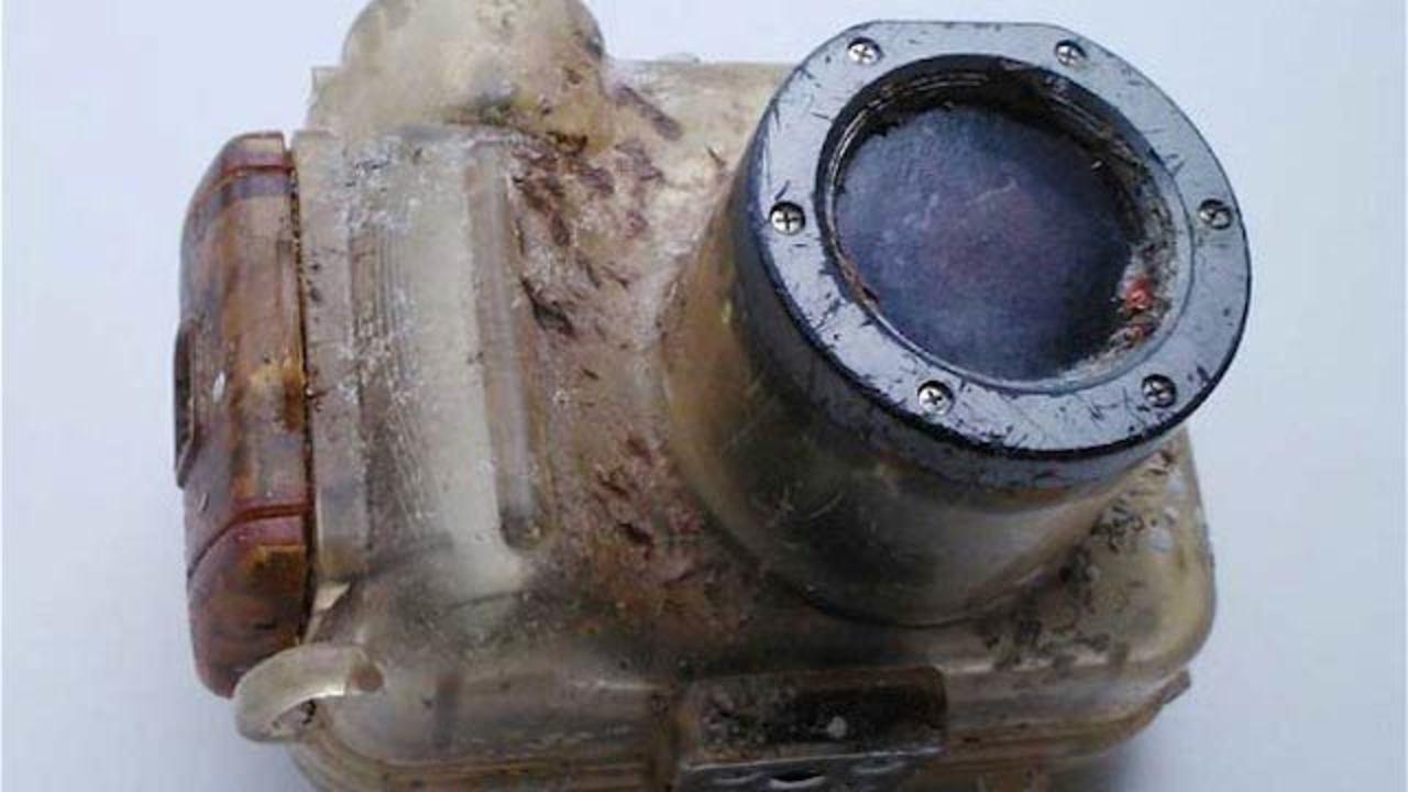 海底に沈んだカメラ、6年後に遠く離れた台湾で発見される