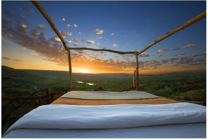 開放感ハンパない...。空と大地を眺めながら眠れるホテル in ケニア