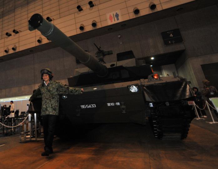 [ #chokaigi ]もぎたてピーチな陸上自衛隊の10式戦車をお届け!