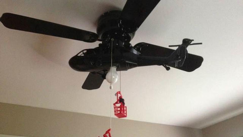 お部屋の天井に自然な形でヘリコプターを取り付ける方法