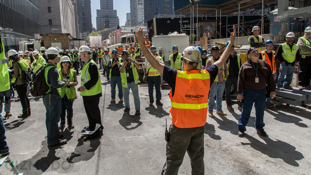 130513OneWTC_proud_workers.jpg