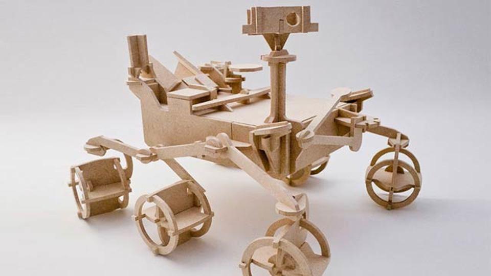 お家の中で火星気分、キュリオシティの木製おもちゃ