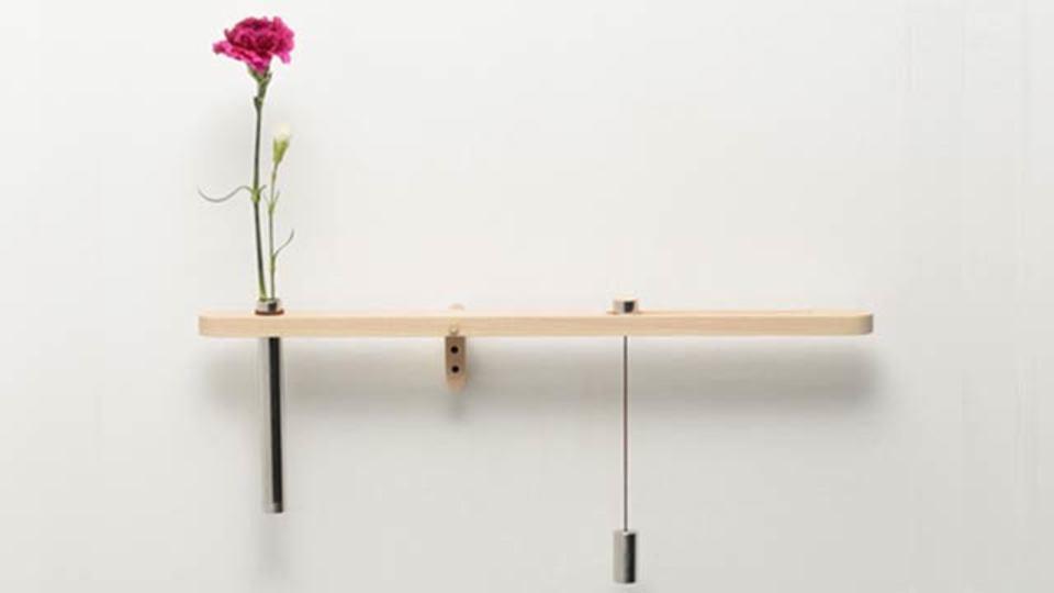 花瓶の花への水やり時が一目でわかる、バランス花瓶