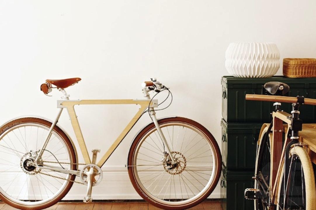 森の香り漂う木製自転車