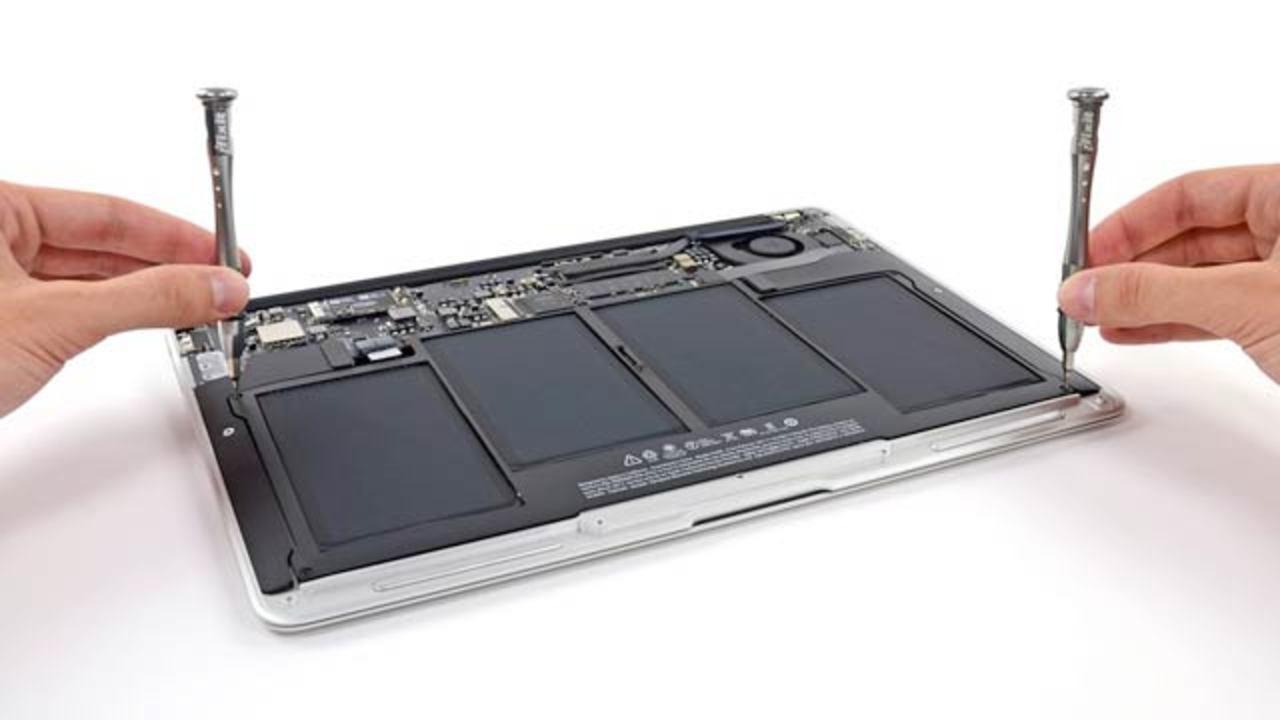 [ #WWDC2013 ]新MacBook Air、早くも大解剖!