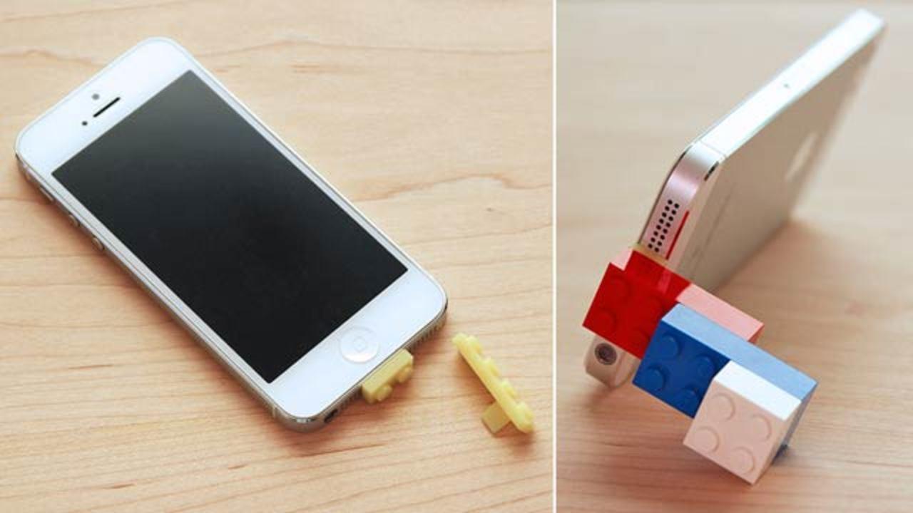 レゴアダプタで、スマートフォンもレゴの一部に