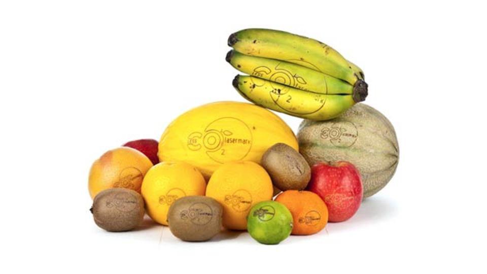 レーザーカットで直接ロゴ印刷、フルーツや野菜からパッケージが消える(写真ギャラリーあり)