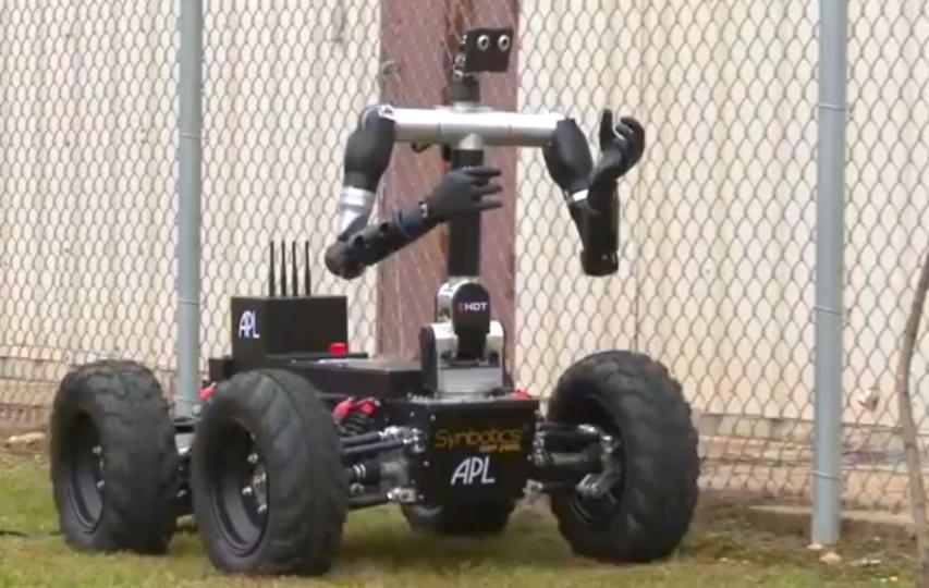 人工義手で繊細な作業を行えるロボット「Robo Sally」(動画あり)