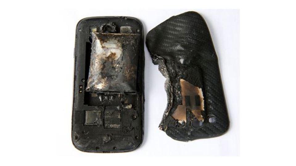【グロ注意】ポケットで携帯が爆発すると太ももはこうなる(追記あり)