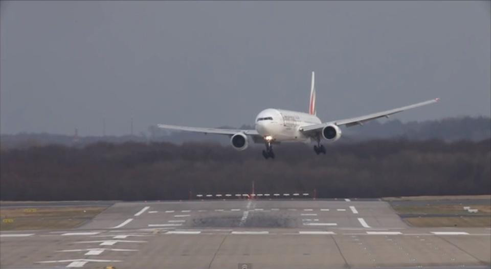 パイロットは偉大…世にも怖い着陸映像10本(動画あり)