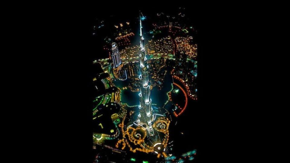ブルジュハリファを見下ろす視点から撮った写真がかっこいい