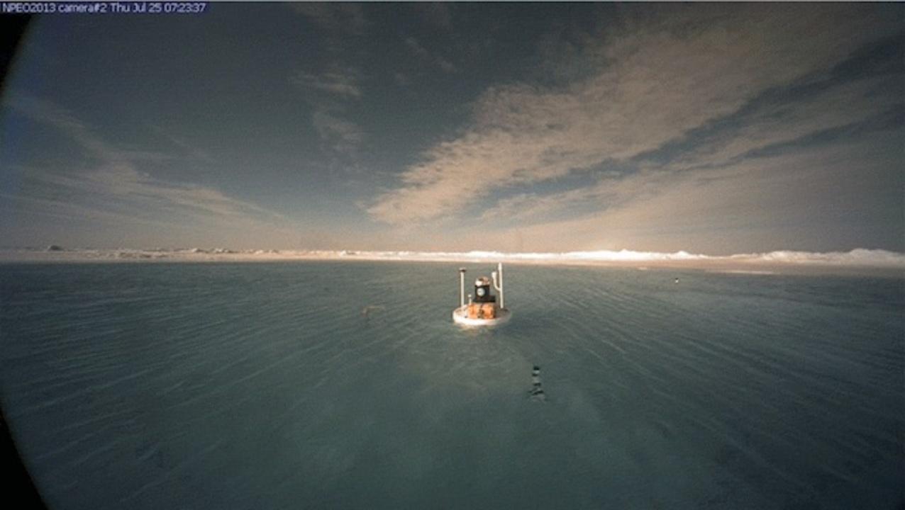 北極点が湖になっています