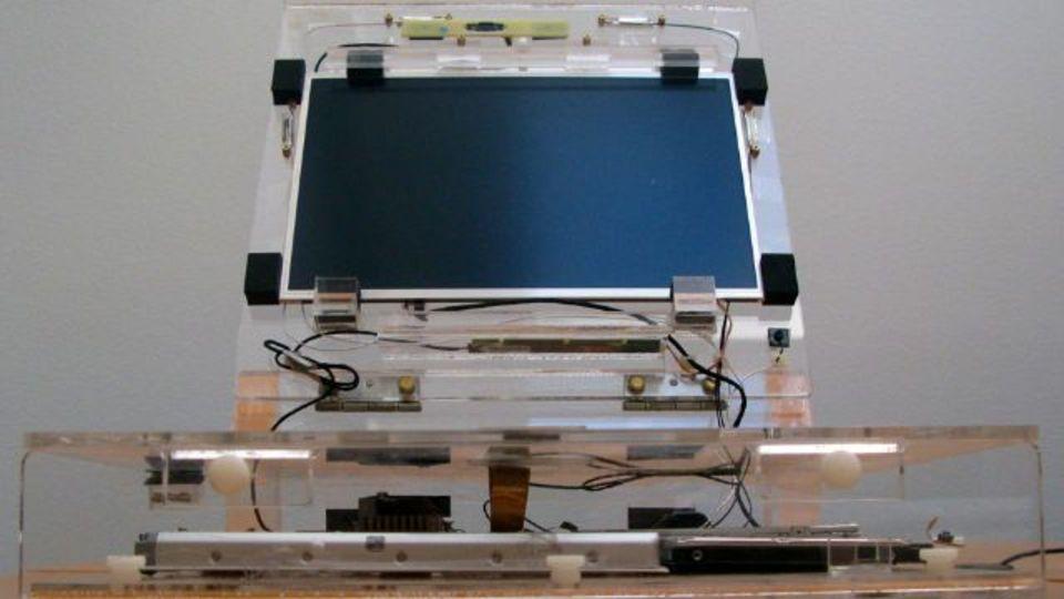 初代MacBookのプロトタイプ画像が公開