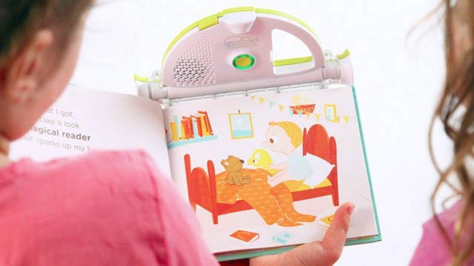 何度も何度もねだってくるお子さんへ、自動絵本読み聞かせマシン!(動画)
