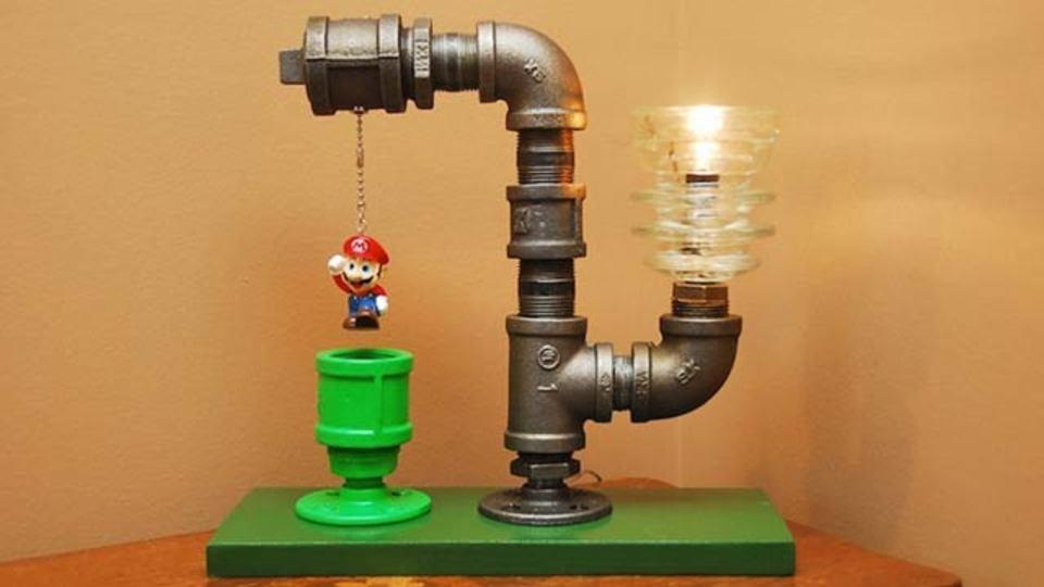 マリオと土管が上手いこと組み合わさったランプ