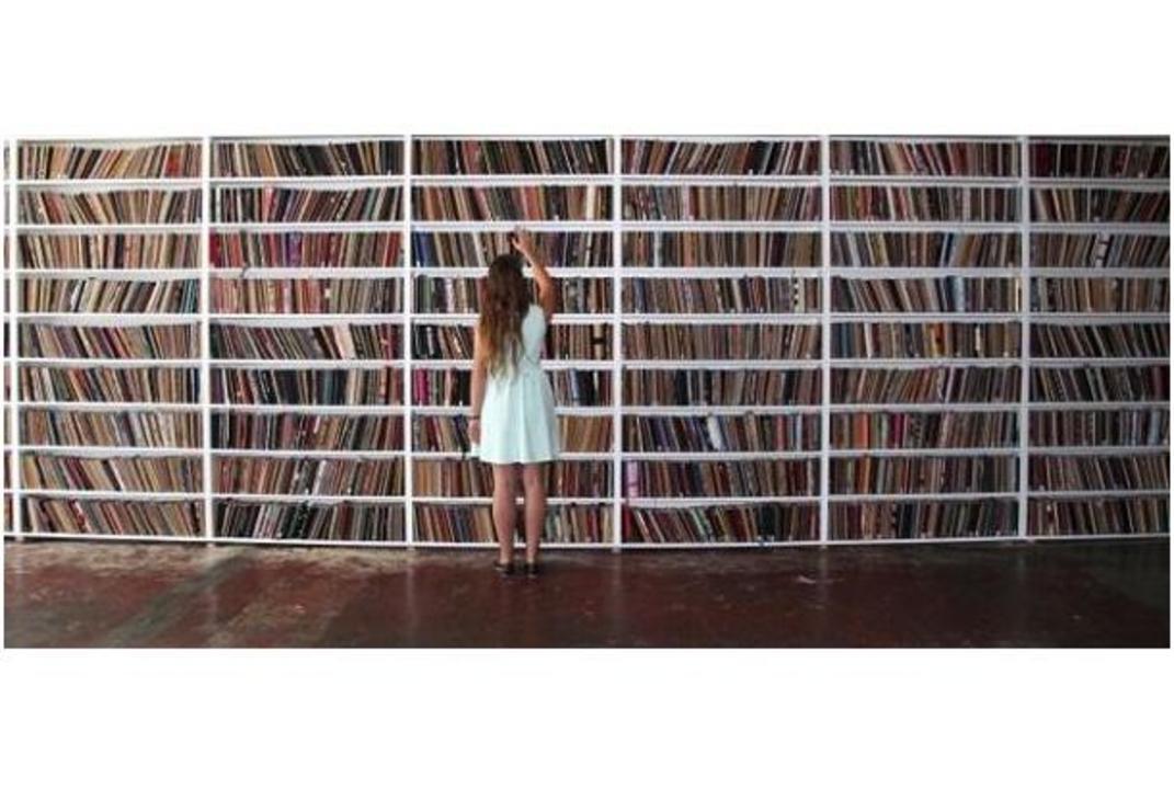 アイデアの宝庫! 世界中からスケッチブックが集まる図書館