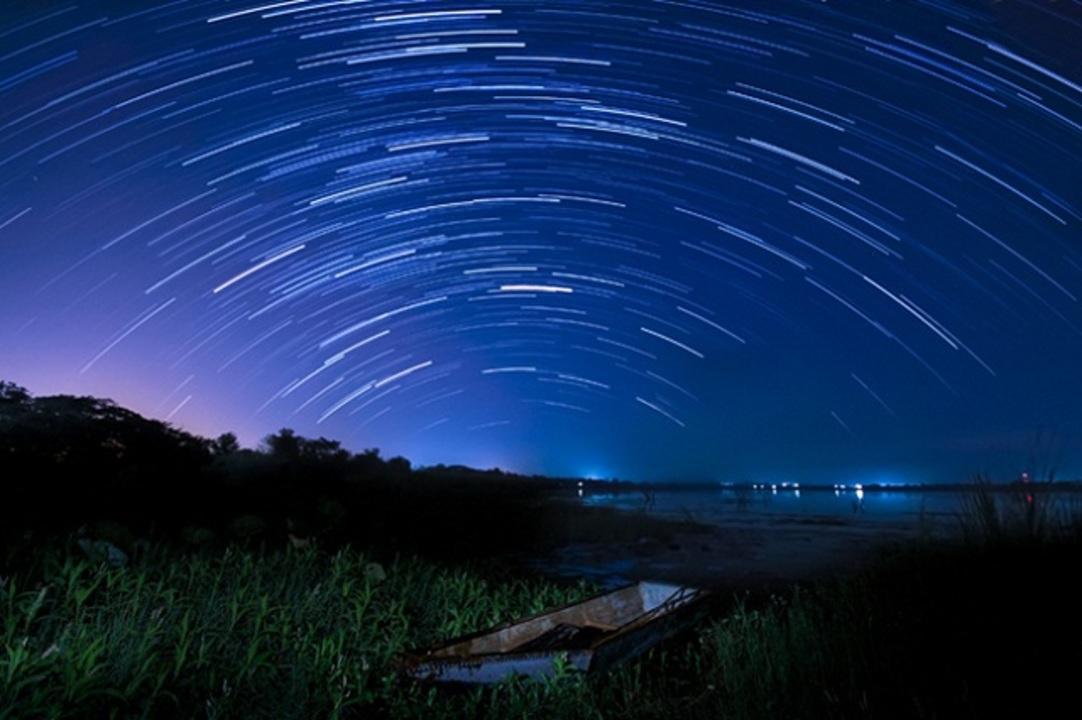 12日の夜は天体観測しよう! 最高の条件で「ペルセウス座流星群」がやってくるよ