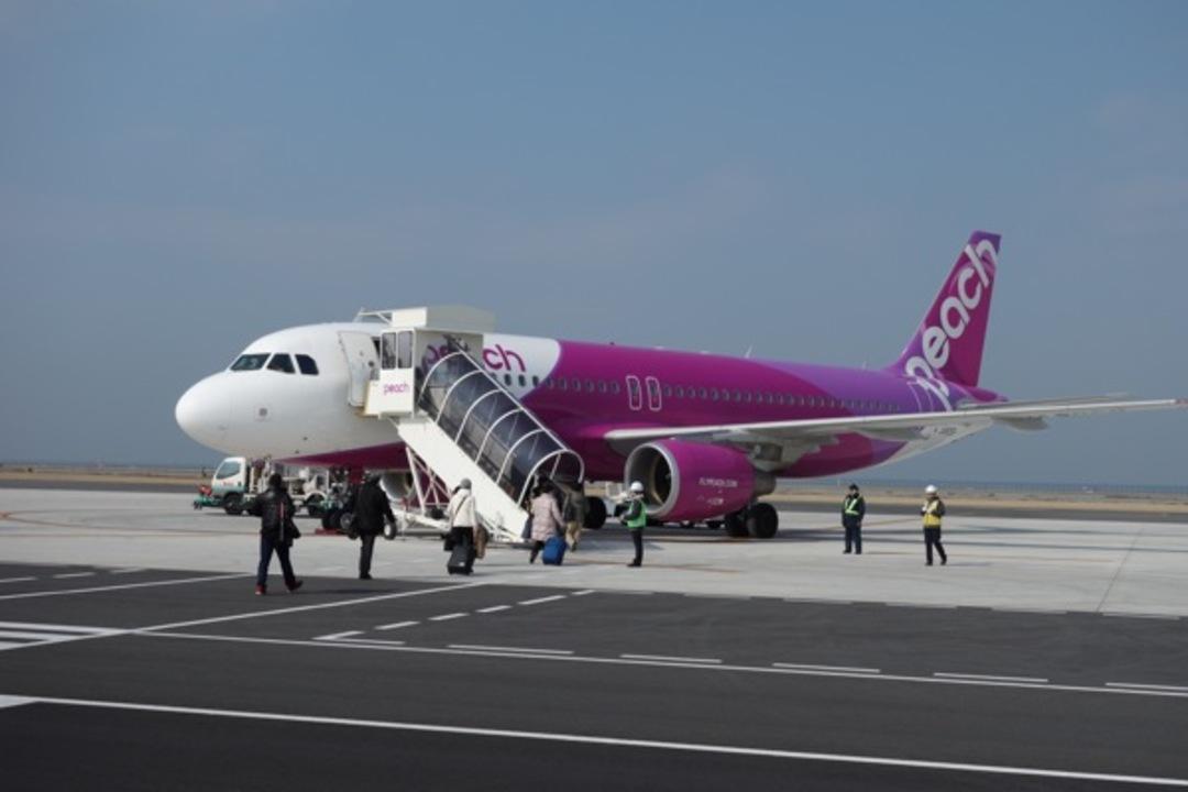コラム:飛行機で移動しやすい時代。LCC格安航空とガジェットを使いこなす!
