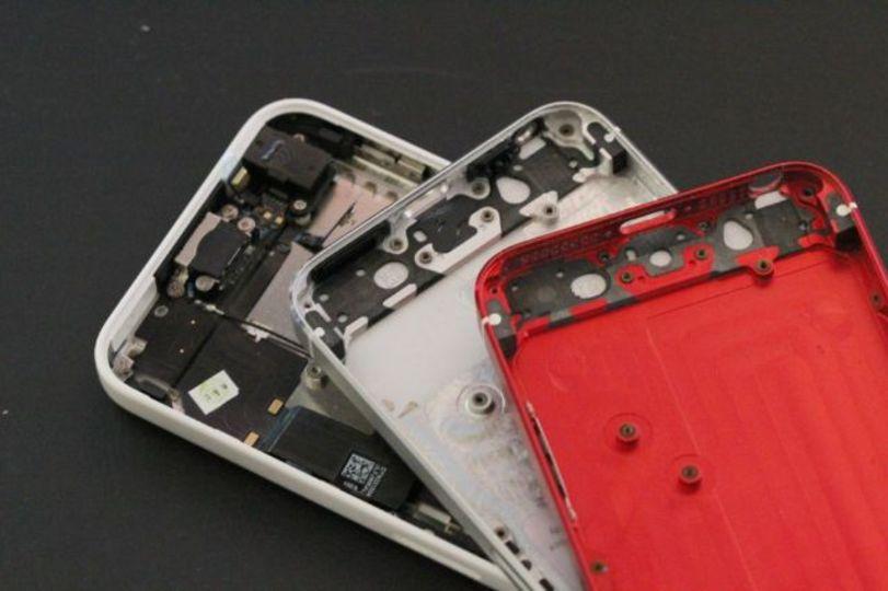 iPhone 5Sに赤モデル!? …じゃなかったけど、あったらいいなこれ。