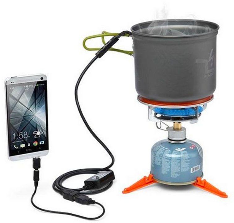 お湯を沸かしてiPhoneを充電できる「The Power Pot」(動画あり)
