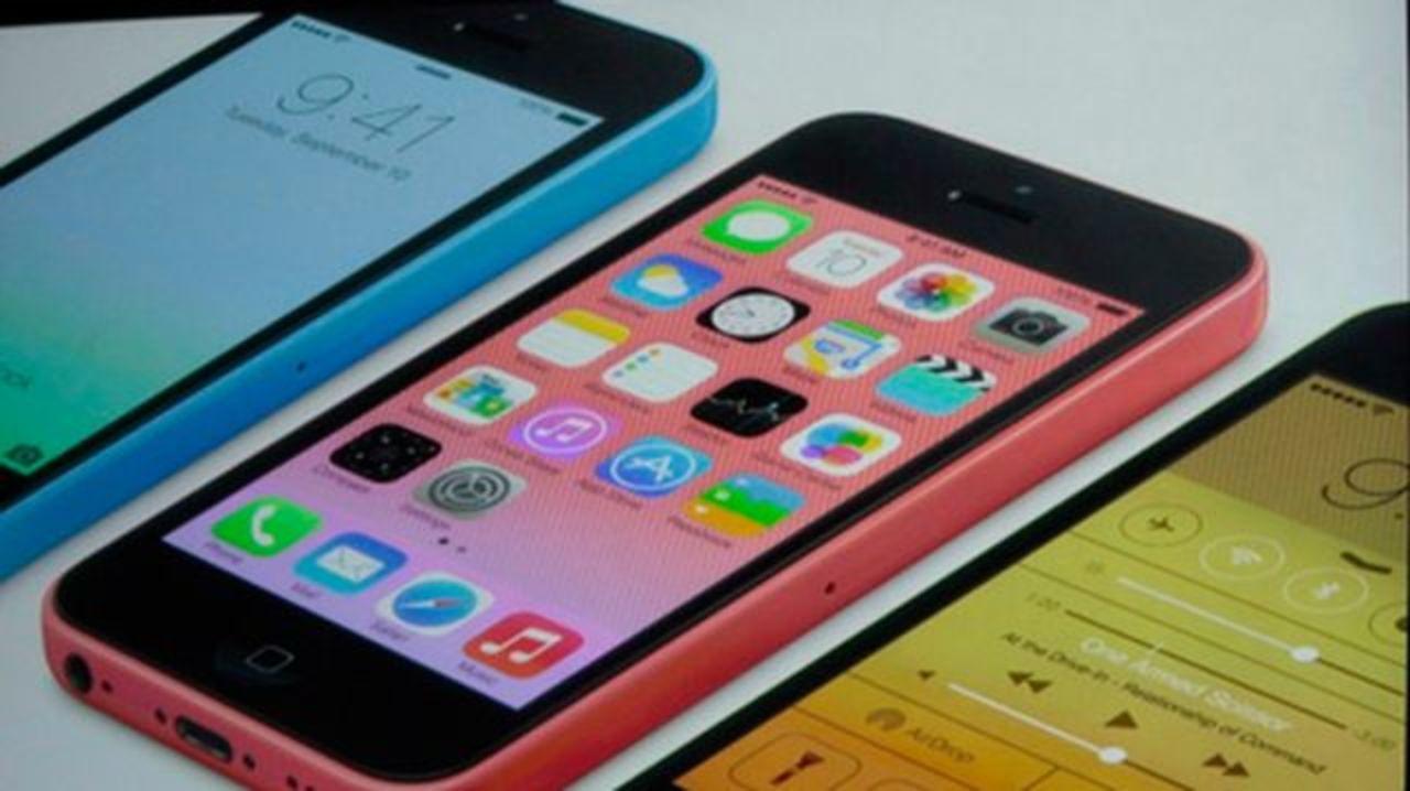 カラフルな初めてのiPhone! iPhone 5Cきました。(随時更新中)