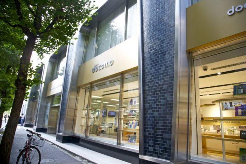 【iPhone 5c予約】ドコモショップ丸の内店に来たよ! auショップ、ソフトバンクショップ銀座、アップルストアも覗いてきたよ