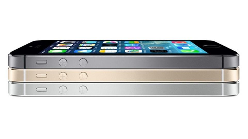 iPhone 5sの初回入荷数は「グロテスクなほど少ない」とか。ホワイトとゴールドは特に希少らしい