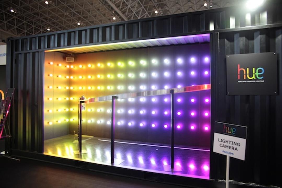 【 #CEATEC 】スマホと連動。フィリップスの1600万色以上の色を出せる電球「hue」が気に入った!