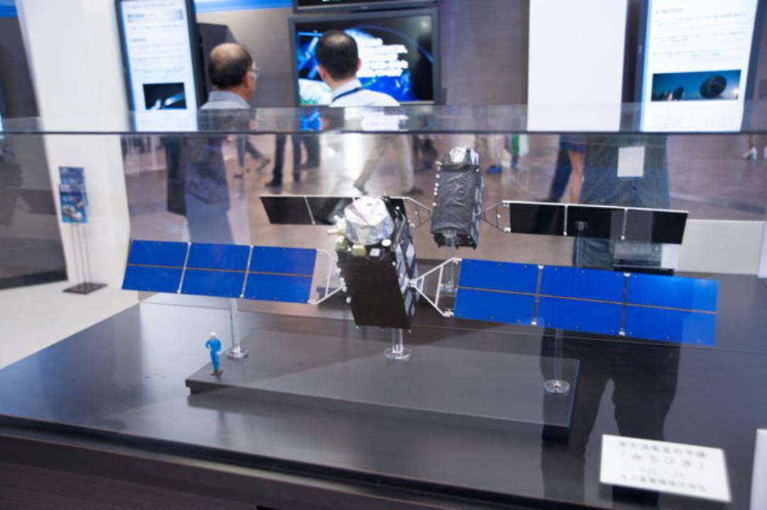 【 #CEATEC 】あの衛星のミニチュアが見られる、とってもスペイシーな三菱電機ブース