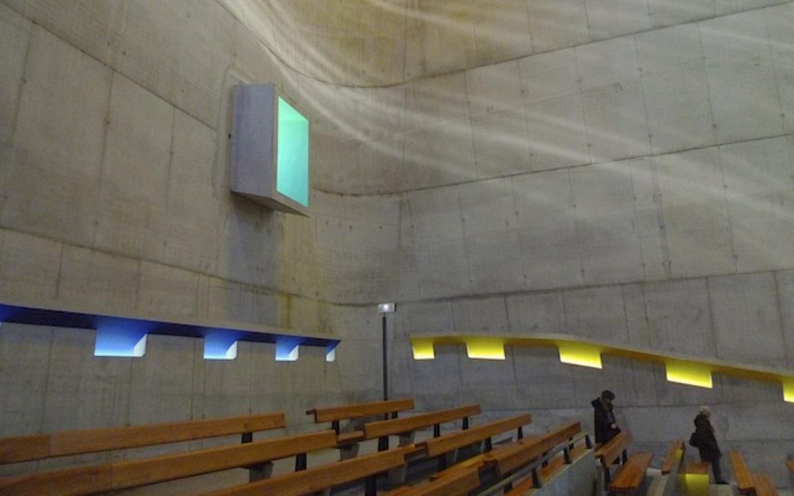 死後40年経ってから完成した、近代建築の巨匠ル・コルビュジエ設計の教会