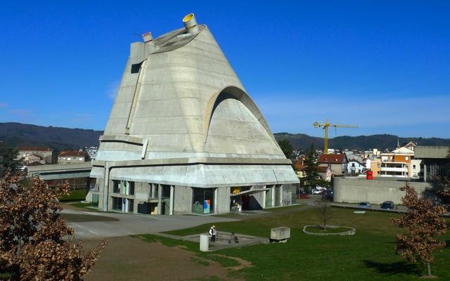 ル・コルビュジエサン・ピエール教会