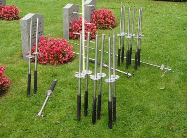131014Norway_overrunwith_corpses_cemetery.jpg