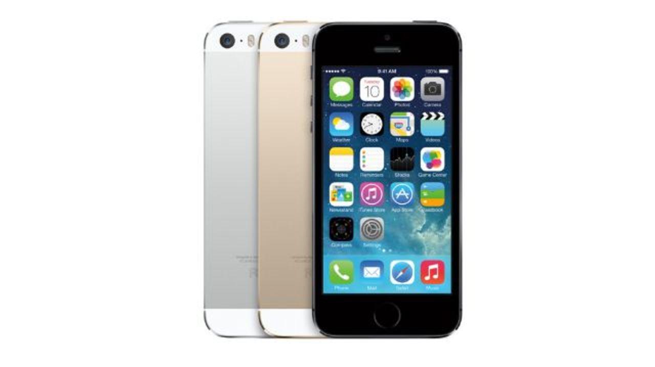 auとドコモもiPhone 5sの入荷待ち日数を公開。ゴールドはどちらも約1ヶ月待ちみたい