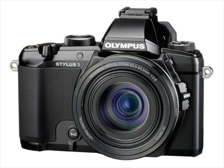 屋内でも使える明るい300mm&f2.8。オリンパスの高級コンデジ「STYLUS 1」デビュー