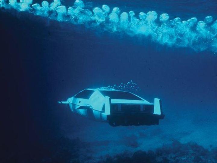 テスラCEOが007のロータス・エスプリ潜水艦をゲット。どうする? どうするの?(動画あり)
