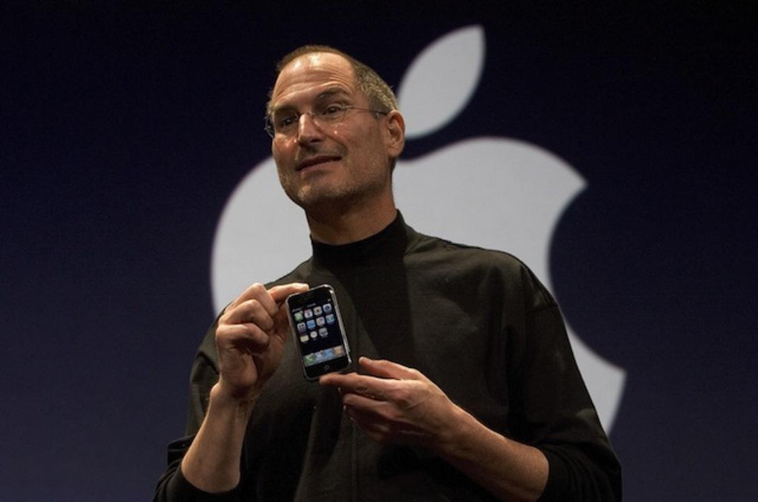初代iPhoneのプレゼン、実は…な裏話(動画あり)