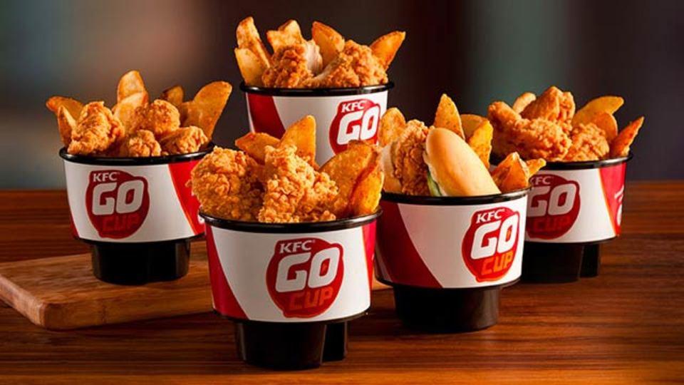 米ケンタッキーが2年をかけて開発、カップホルダーで使えるチキン持ち帰りコンテナ「Go Cups」