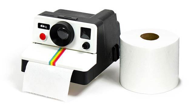 撮っちゃダメ、ポラロイドカメラみたいなトイレットペーパーホルダー