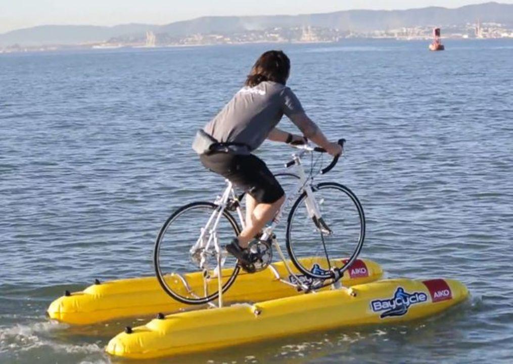 海の上を走る自転車「ベイスクル(BayCycle)」(動画あり)