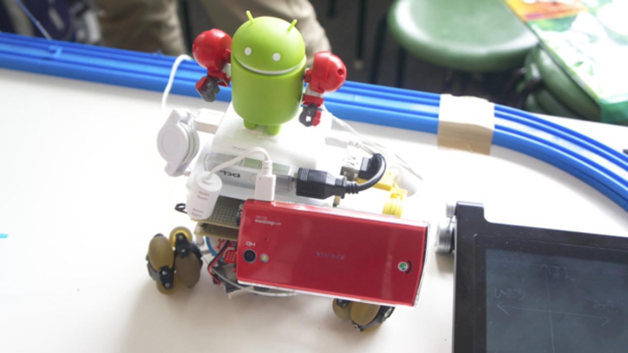 【 #mft2013 】enchantMOONで操作できる三輪ロボット