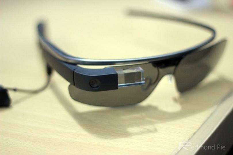 どこが変わったかな? 第2世代Google Glassの開封フォトレポートが到着