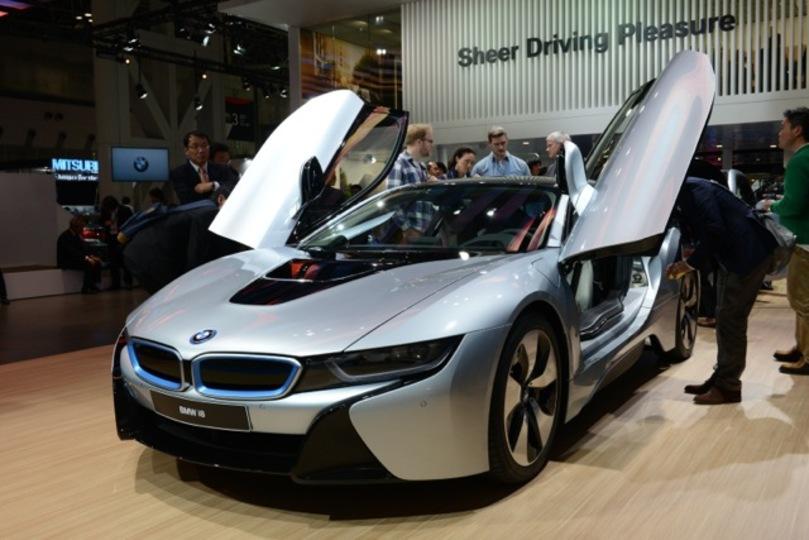 東京モーターショーで未来を見た! パワーと燃費を両立した次世代モビリティ「ニュー BMW i8」がスゴイ!