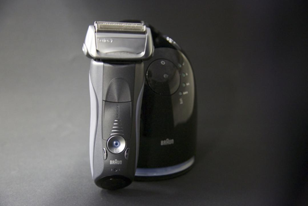 ターボ音波振動でめっちゃ剃れます。ブラウンシリーズ7は深剃りできて快適ツルツルっ