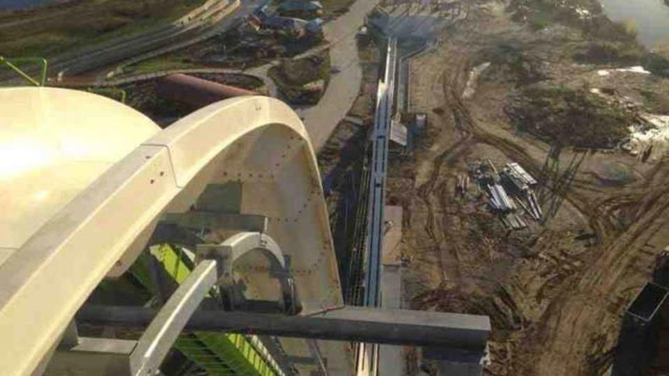 【高所恐怖症観覧注意】世界一高いウォータースライダーが来春オープン、もんのすごい高いとこから出発