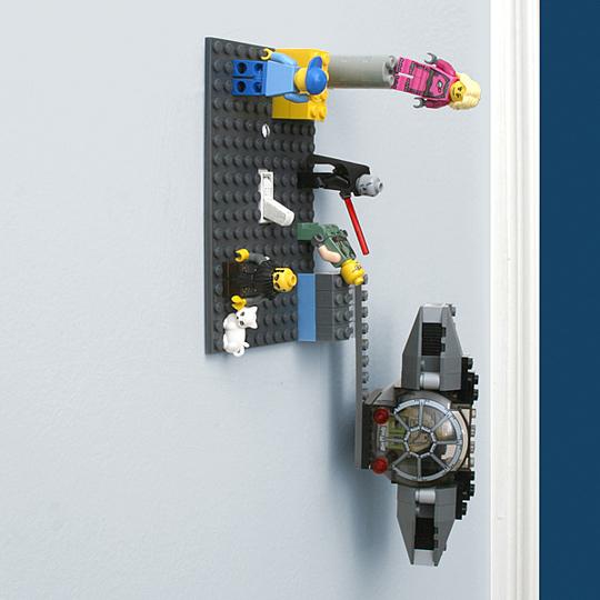 つけたり消したりくっつけたり。LEGOと互換性のある照明スイッチ