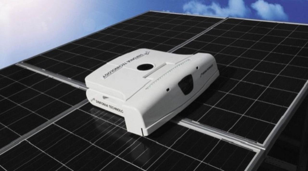 自動お掃除ロボット、ソーラーパネルへも出張する時代に