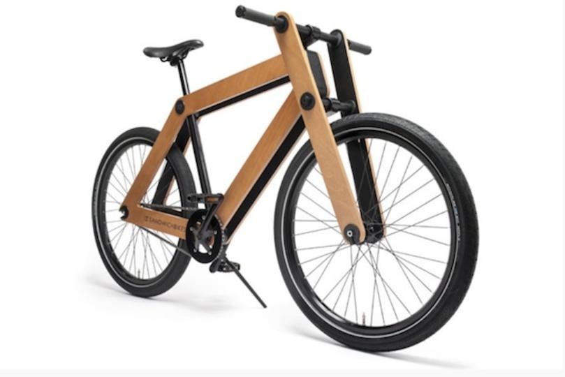 片付け楽々! 箱の中にしまえるレトロな木製の組み立て自転車が登場