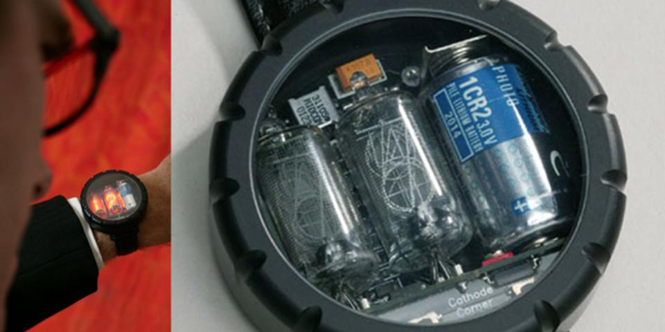スティーブ・ウォズニアックも愛用してるホンモノのニキシー管腕時計