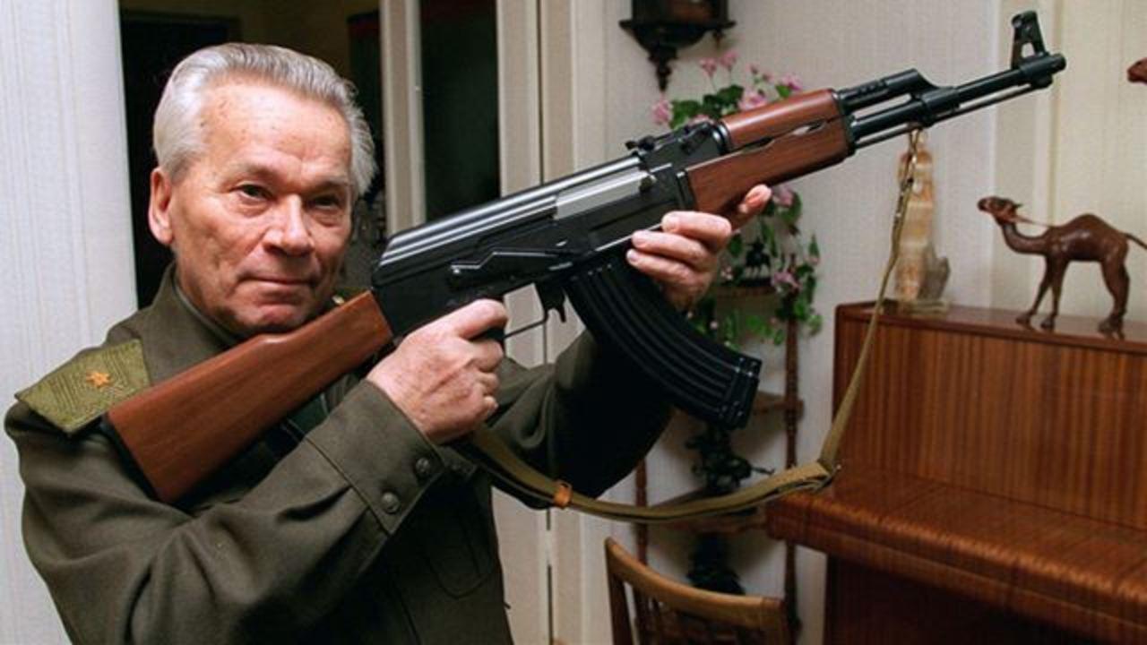 特許なき発明。AK-47の父カラシニコフ逝く